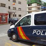 Detenida una mujer por apuñalar a un Policía Nacional en El Puerto