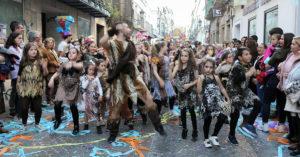 Las calles de El Puerto se llenaron de color para disfrutar del Carnaval.