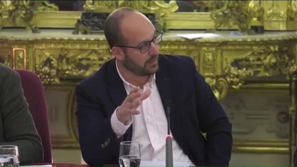 """""""Los farisaicos golpes de pecho del Beato Beardo"""""""
