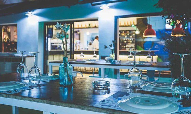 Aquarela reabrirá el 12 de mayo su terraza al público y estrenará menú especial de feria