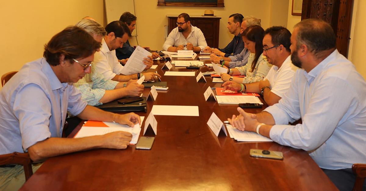 La Junta da la razón a la oposición por las facturas mal tramitadas de EPG