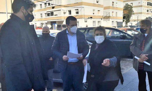 Martínez visita El Tejar para determinar las actuaciones más urgentes