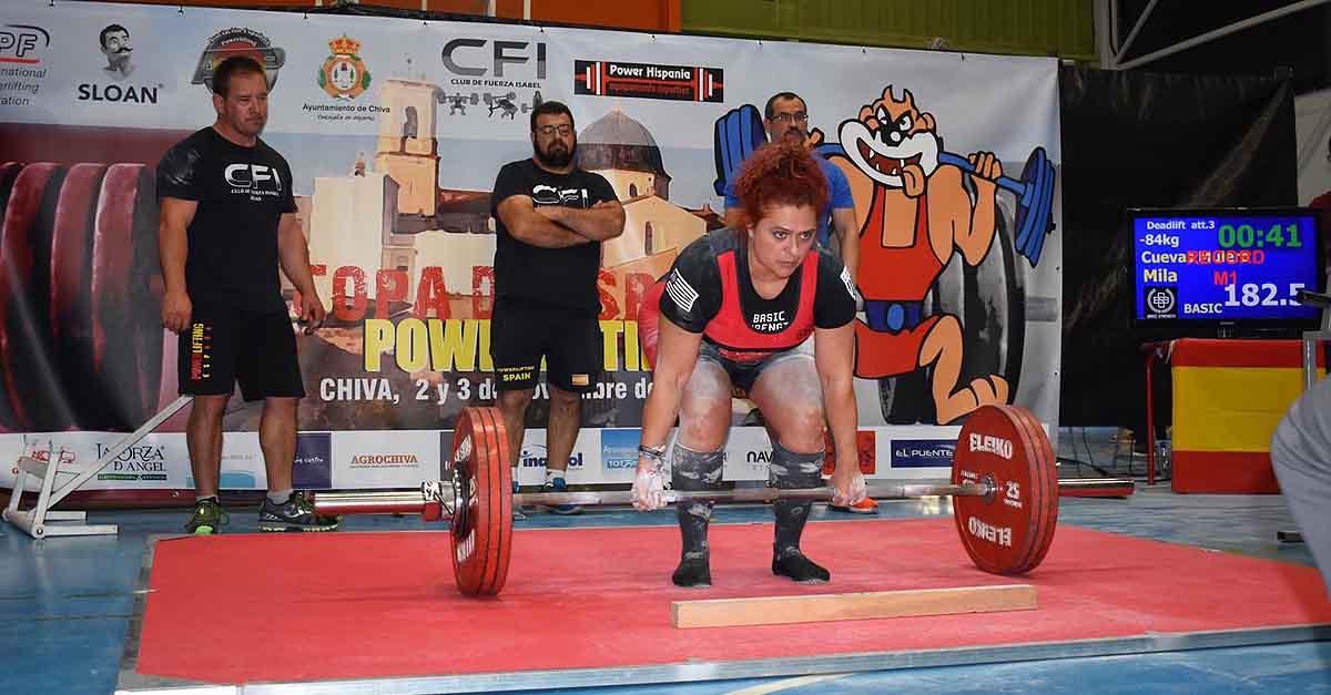 Mila Cuevas, campeona de Europa del Máster de Powerlifting