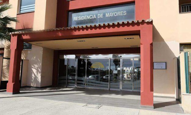 La residencia Puerto Luz, medicalizada y a la espera de repetir las PCR