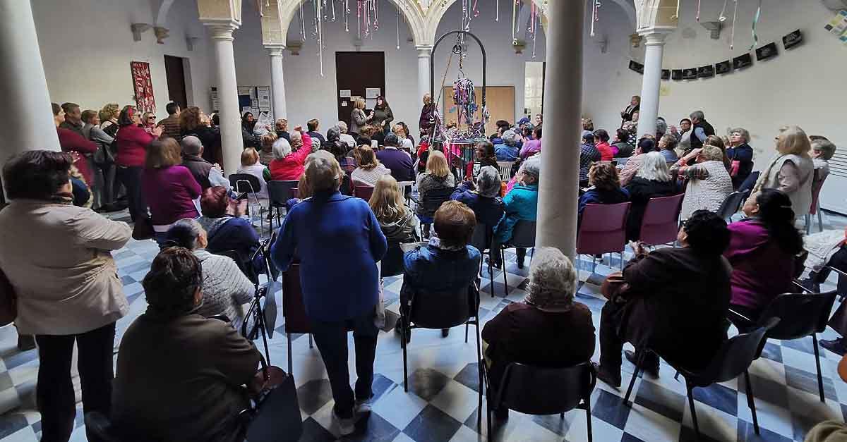 Adelante rechaza el cierre de los talleres de mayores del Palacio de Purullena