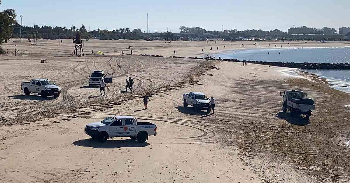Intervenidos varios alijos de droga en la playa del Manantial y en la playa del Aculadero