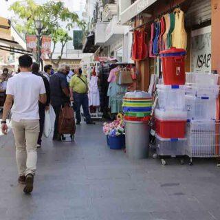 Numerosos comercios del centro abrirán durante el Día de la Hispanidad