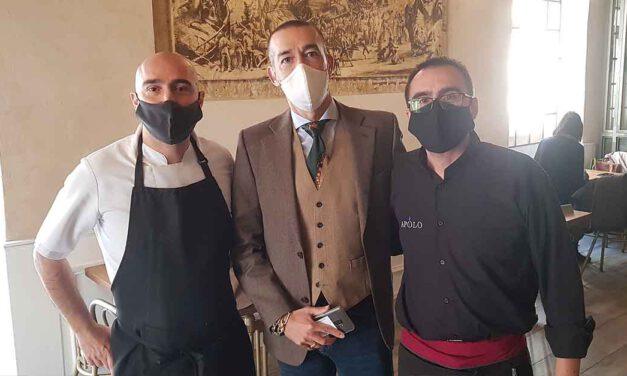 El Bar Apolo y el historiador Antonio Gutiérrez Ruiz, diplomas de Patrimonio Histórico