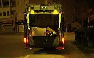 El PSOE denuncia que el gobierno ha tirado el reciclaje de Reyes al vertedero