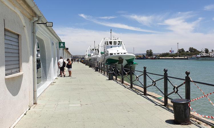 El catamarán de la Bahía de Cádiz suprime el servicio en fin de semana
