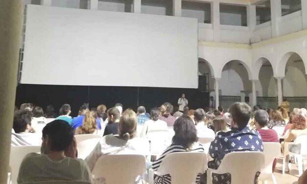 Volvieron las noches de 'miedo' y cine al patio de San Agustín con el Festival Insomnia