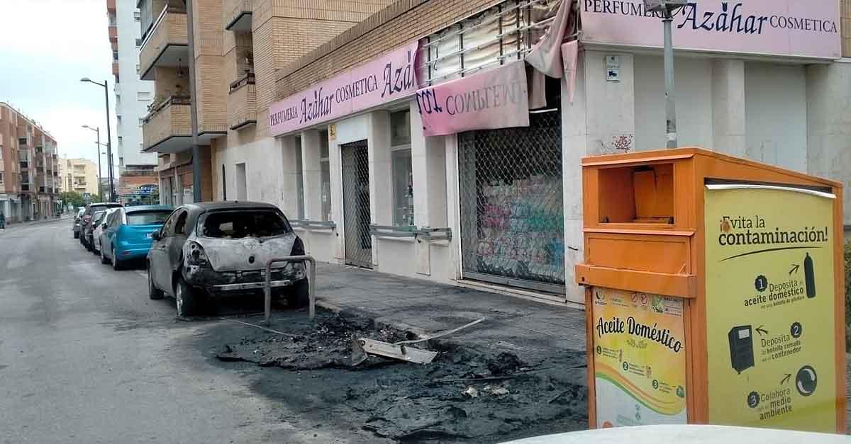 Denuncian el vandalismo callejero de quema continuada de contenedores en El Puerto