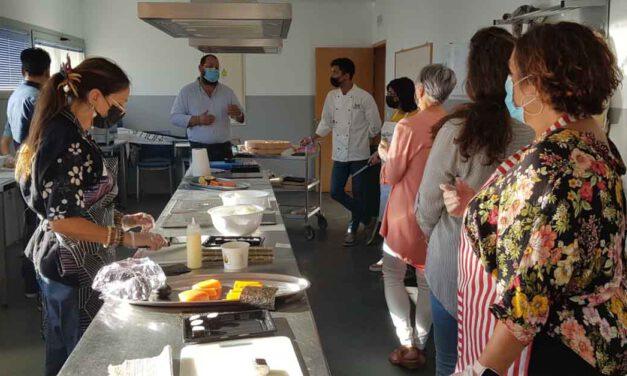 Los fogones de la cocina del Centro Cívico acogen un curso de gastronomía japonesa