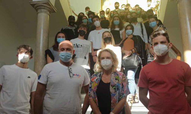 El Ayuntamiento recibe a alumnos de Italia que realizan sus prácticas profesionales en El Puerto