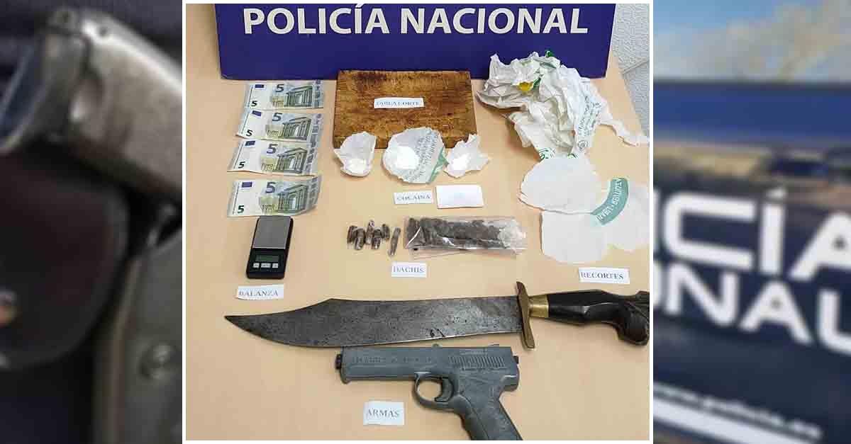 Detenida una pareja que vendía droga en una vivienda de la calle Revolera