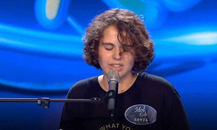 Sergio triunfa en Idol kids cantando Devuélveme el corazón