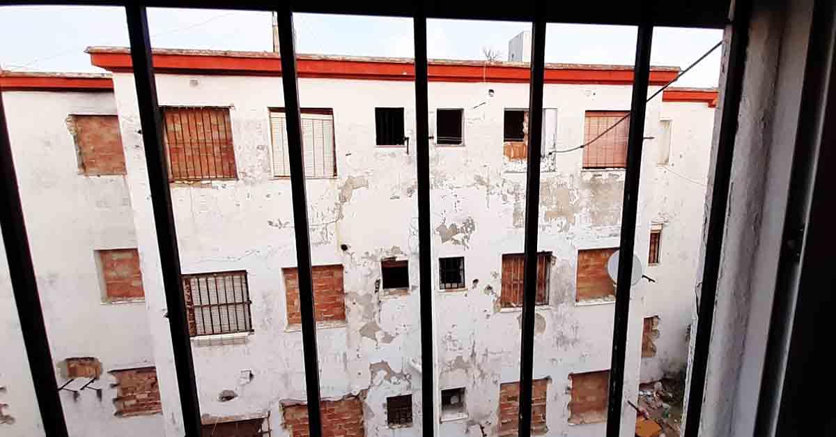 La Junta de Gobierno Local aprueba las licencias para demoler dos bloques de la Barriada de José Antonio