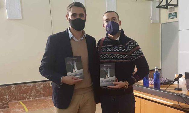 "El portuense Raúl León Moresco presenta su primera novela, ""La joya de Laura"""
