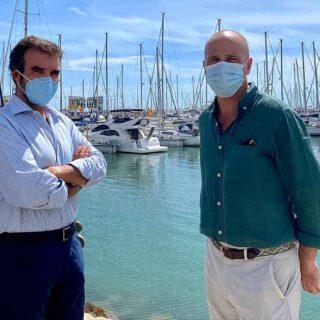Alegre se reúne con el director de Puerto Sherry para abordar el futuro del servicio de autobuses