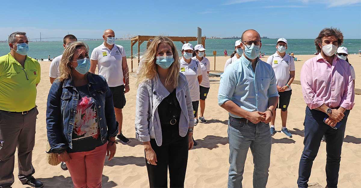 Los 78 auxiliares contratados por la Junta se incorporan sin incidencias a las playas