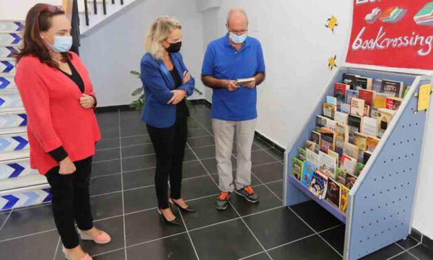 """Cultura anima a los portuenses a participar en la """"suelta"""" de libros de la biblioteca"""