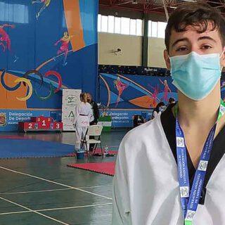 Dos medallas de oro para el Lee Puerto en la supercopa de Andalucía de Taekwondo