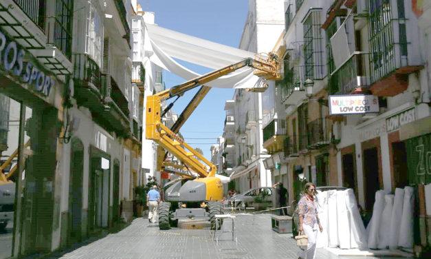 La instalación de toldos en la calle Luna comenzará la próxima semana
