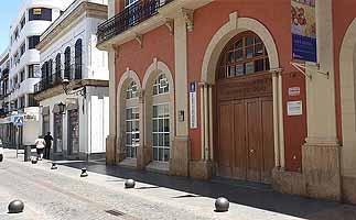 El PSOE pide destinar una partida anual para adquirir libros