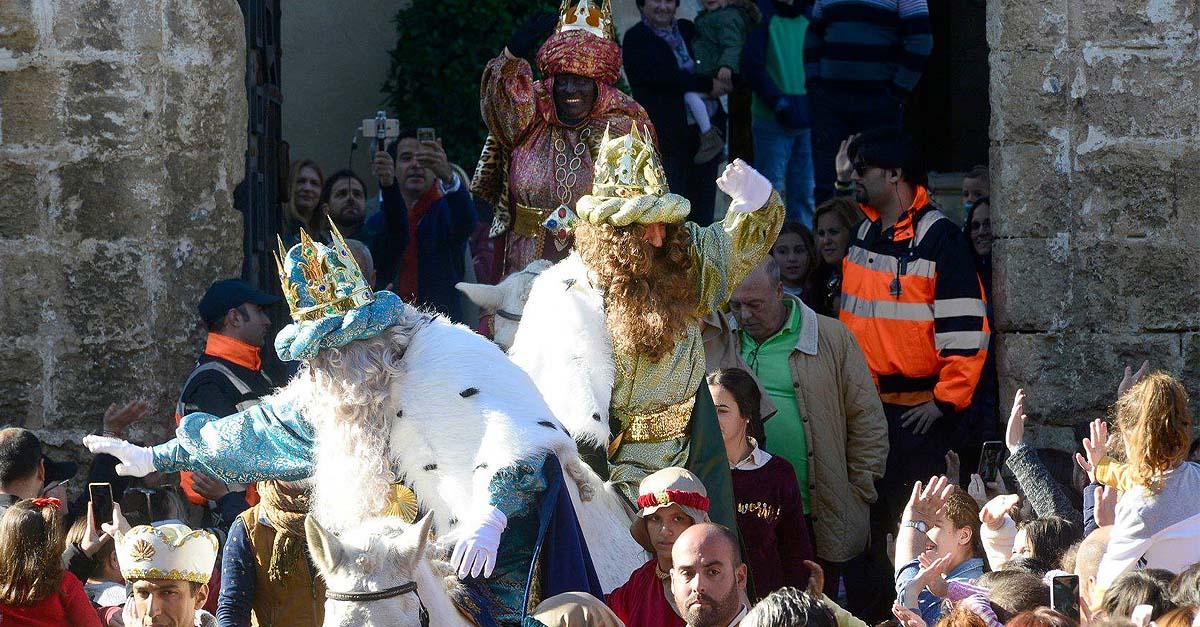 ¿Qué opinas? Cabalgata de Reyes en El Puerto, de forma estacionada y en el centro