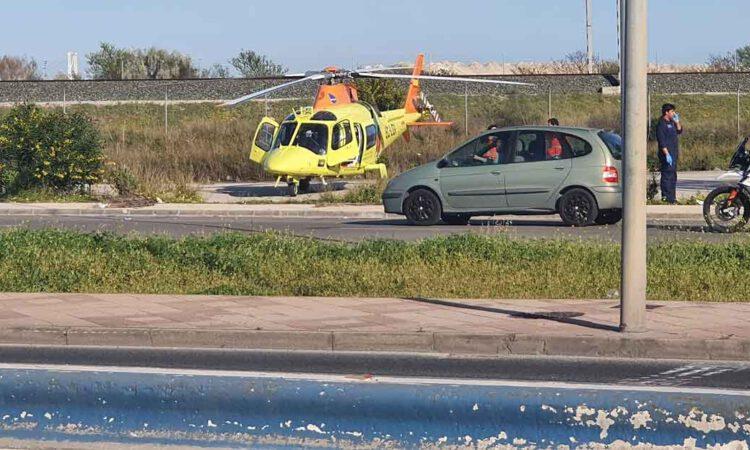 Un motorista pierde una pierna en un accidente en El Puerto