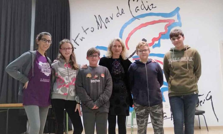 Más de 200 escolares portuenses participan en talleres de teatro