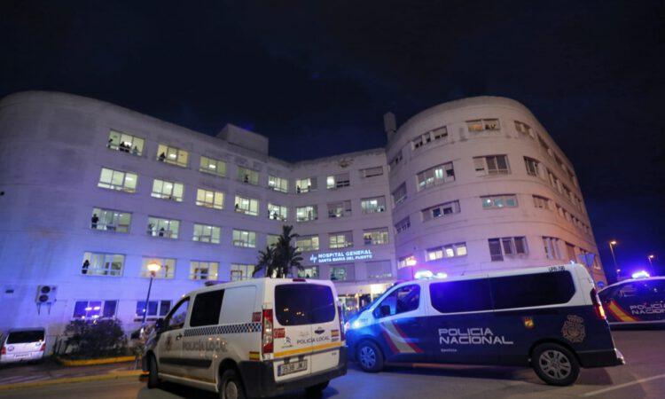 Histórico homenaje al personal sanitario del hospital de El Puerto