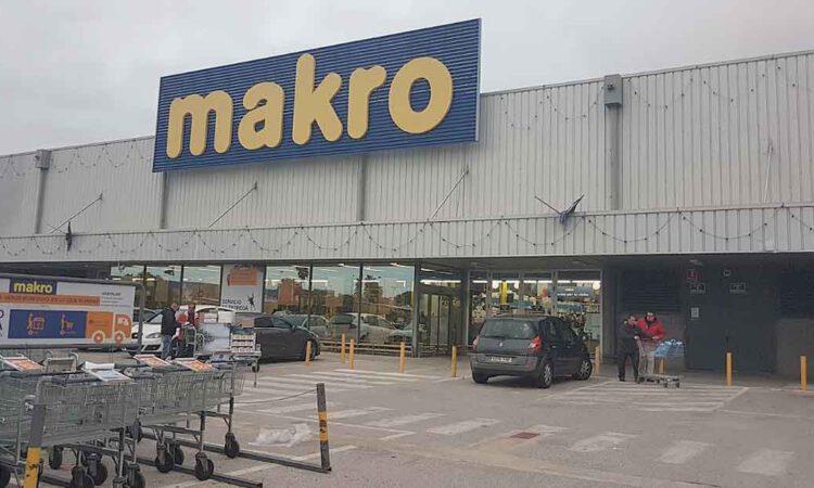 Makro abre sus puertas a los consumidores de El Puerto