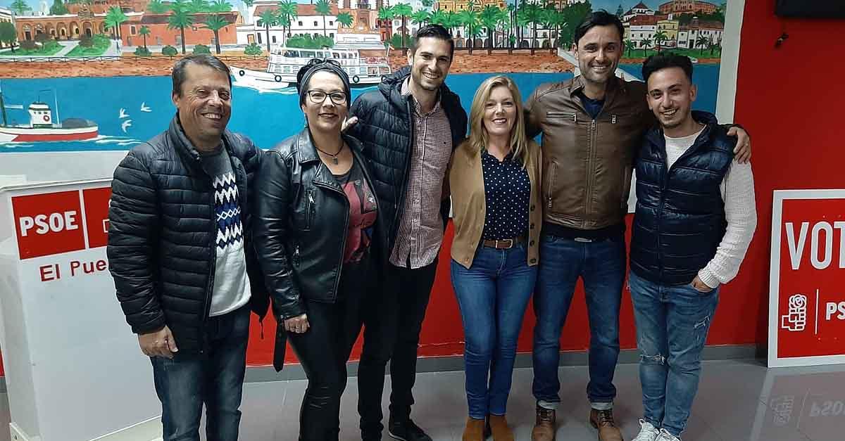 """El PSOE entrega los premios carnavaleros a """"Los Majaras"""" y """"4 de Diciembre"""""""