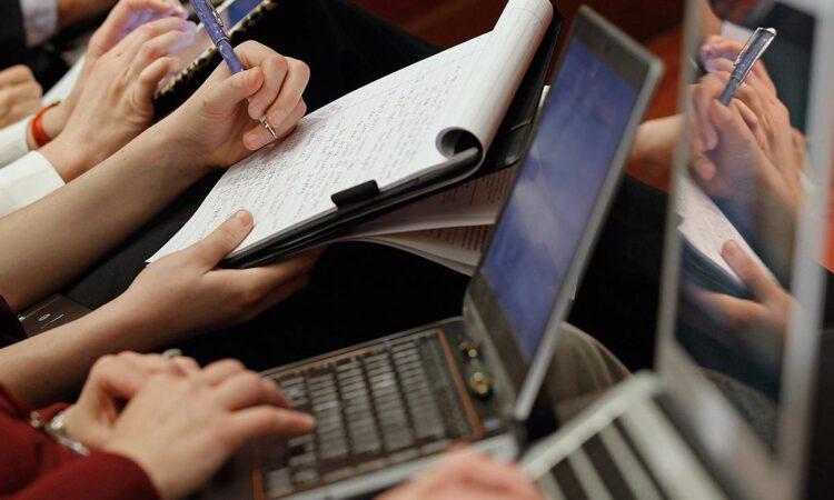 La APC muestra su preocupación por los recortes planteados por los editores