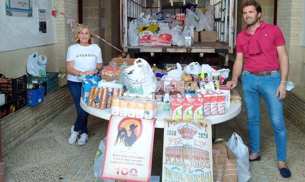 El sector taurino dona 2.800 kilos de alimentos a Servicios Sociales de El Puerto
