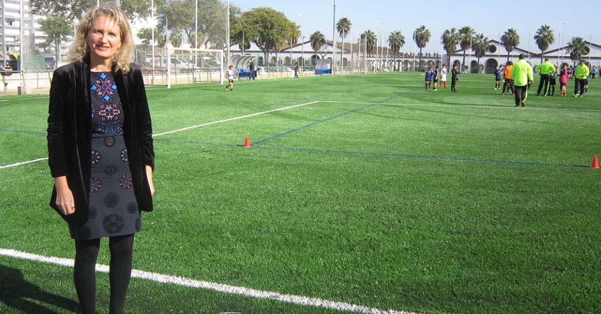 El campo de fútbol de El Juncal logra la certificación de calidad de FIFA por su nuevo césped artificial