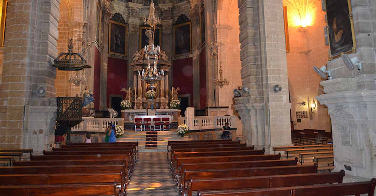 La Basílica de los Milagros acoge una misa funeral por los fallecidos por la Covid-19