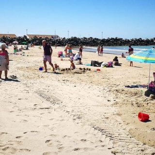 Los auxiliares de playa denuncian descoordinación y falta de medios