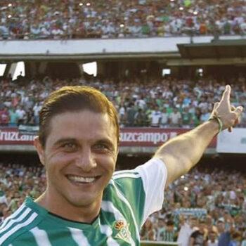Joaquín iguala a Raúl como segundo jugador con más partidos en Primera
