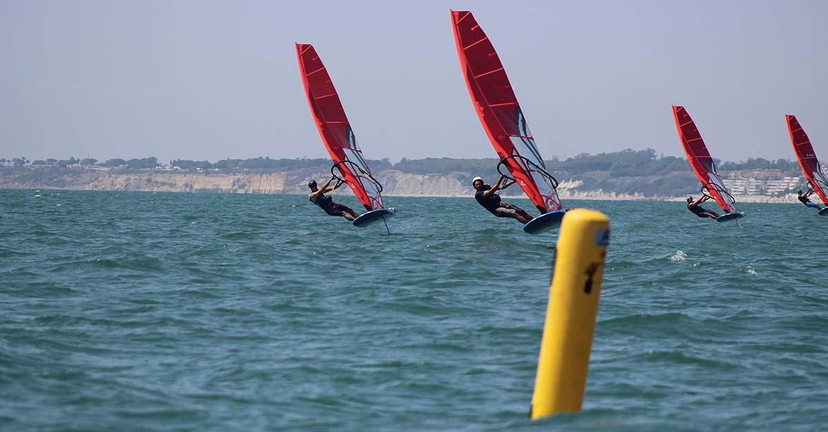 El futuro del windsurf olímpico pasa por Cádiz
