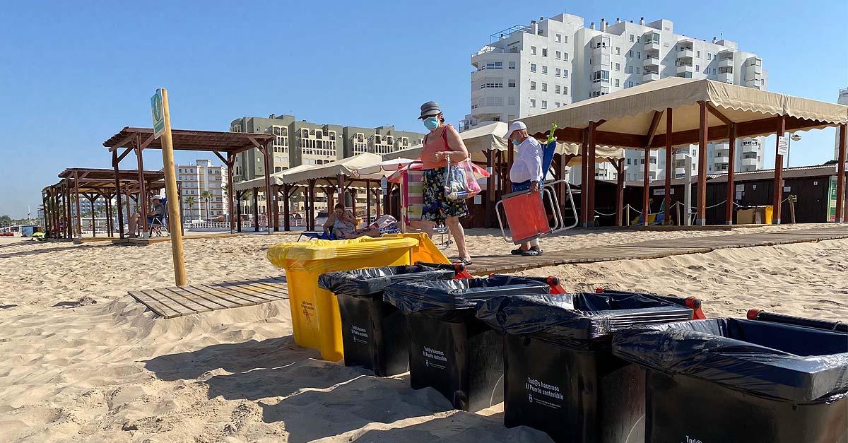 Medio Ambiente refuerza la limpieza de playas con 115 nuevos contenedores