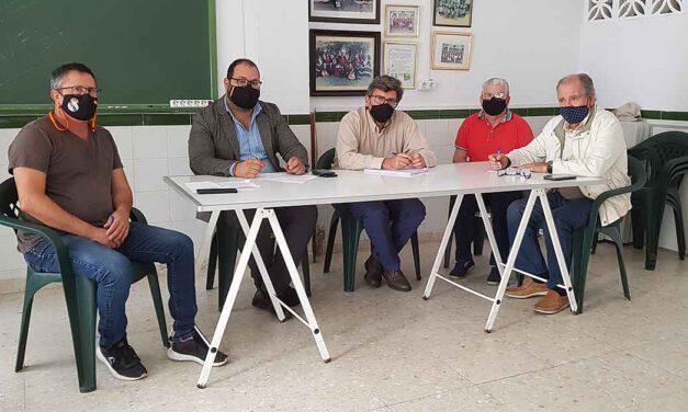 Javier Bello se reúne con la Asociación de Vecinos Ronda de Valencia