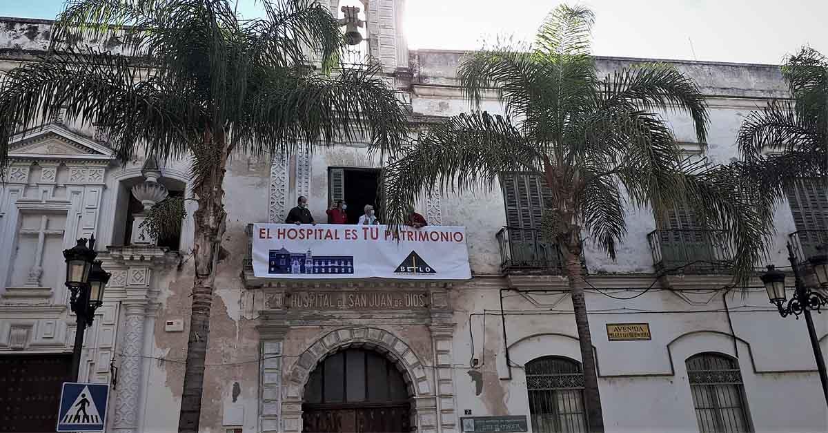 Betilo despliega dos pancartas en el hospital San Juan de Dios