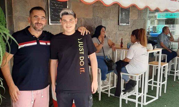 El campeón de España de Tenis de Mesa sorprende a un joven palista de El Puerto