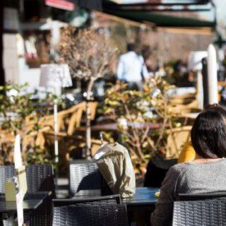 Sanidad propone a las Comunidades cerrar bares a las 22.00 horas