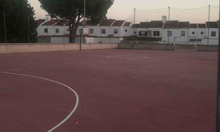 El Ayuntamiento abre las pistas deportivas exteriores en horario de mañana de manera temporal