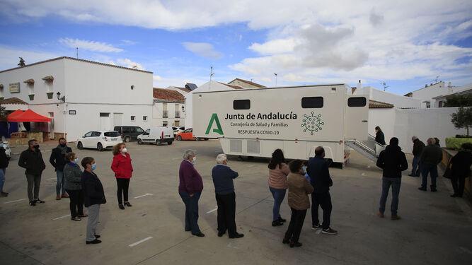 Andalucía suma 610 casos, dato más bajo en dos meses, y 12 muertos