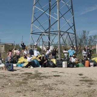 Voluntariado ambiental del movimiento Zero Waste limpia la Salina de San José