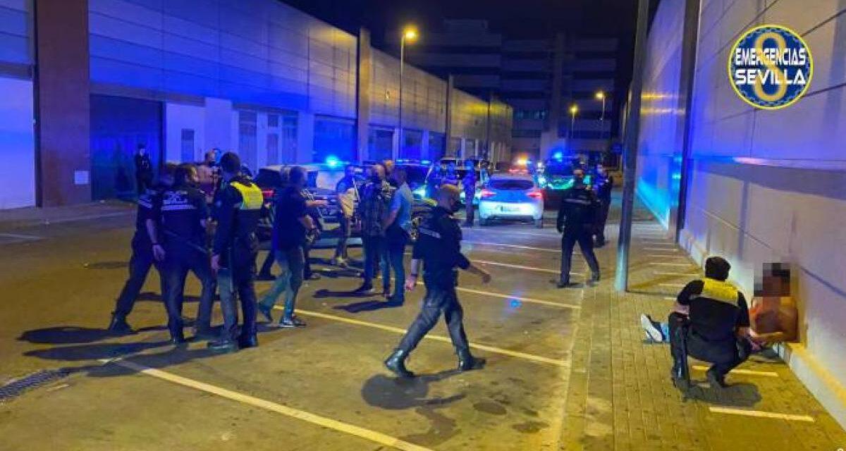 Un policía herido y botellones en la primera madrugada en Sevilla sin estado de alarma